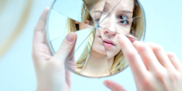 11 señales que indican que eres demasiado autocrítico