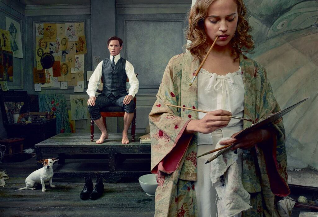 Mujer pintando un cuadro