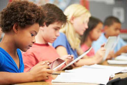 Jerome Bruner: 9 postulados para mejorar la educación