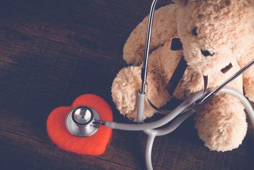 ¿Cómo beneficia conceder deseos a los niños hospitalizados?