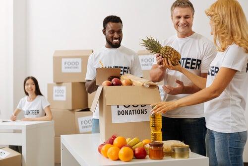 Personas enviando donaciones