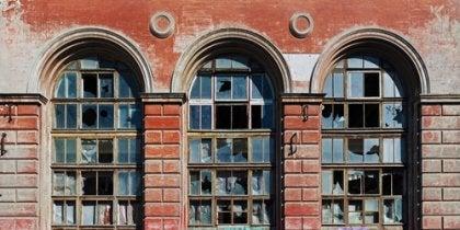 La teoría de las ventanas rotas