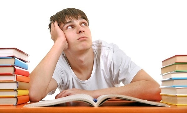 Adolescencia que no supera la competencia autolúdica