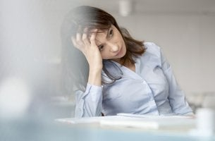 psicóloga pensando en psicoterapia fracasa