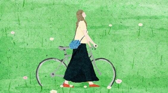 chica en bici pensando en cambiar de opinión