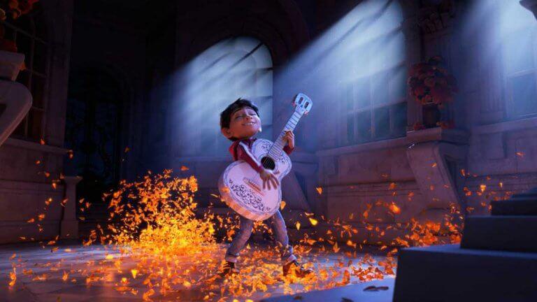 Coco con guitarra