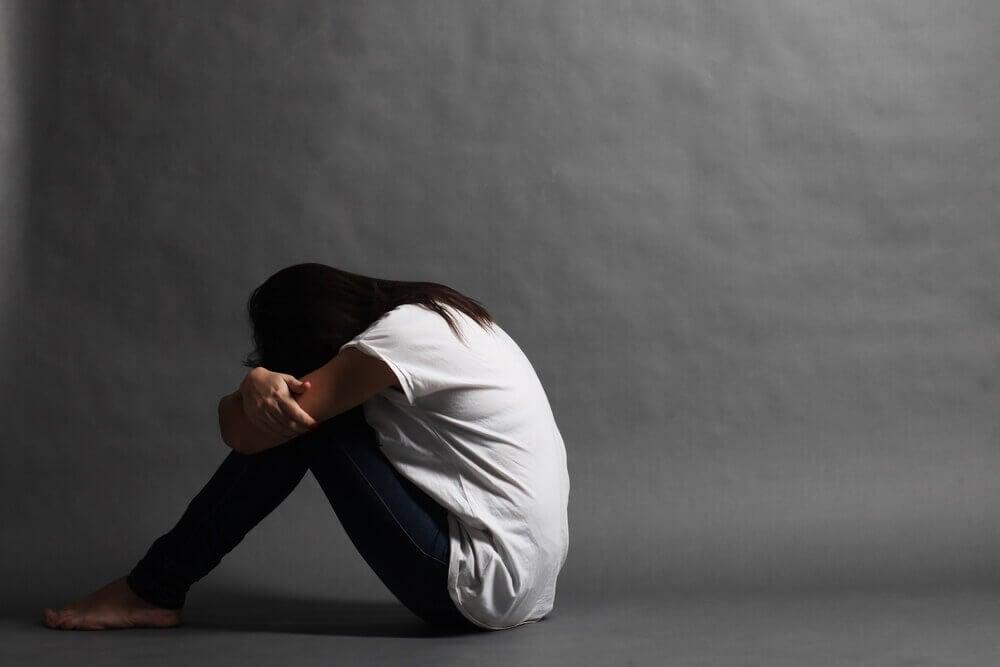 Mujer con ansiedad por el fracaso