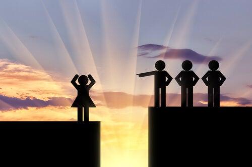 Mujer en desigualdad con hombres