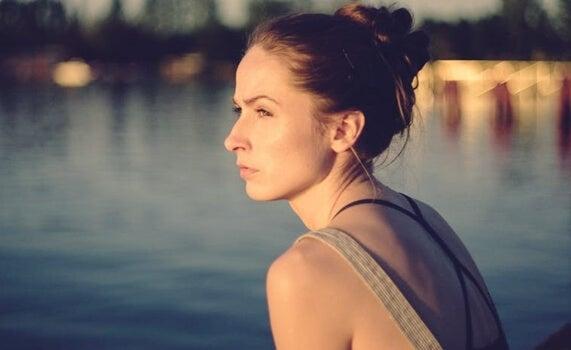 Mujer representado que pueden las personas buenas hacer cosas malas