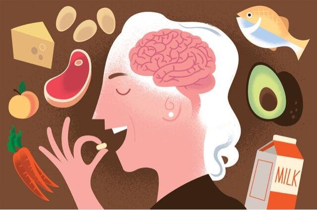 hombre comiendo alimentos ricos en vitamina B12