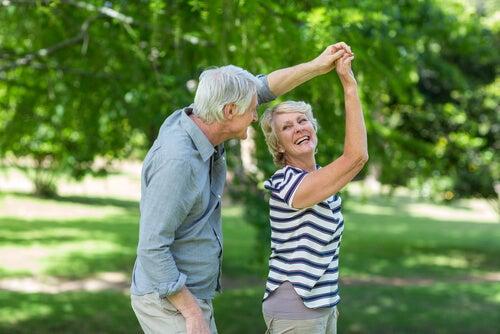 Bailar puede ayudar a combatir el envejecimiento cerebral