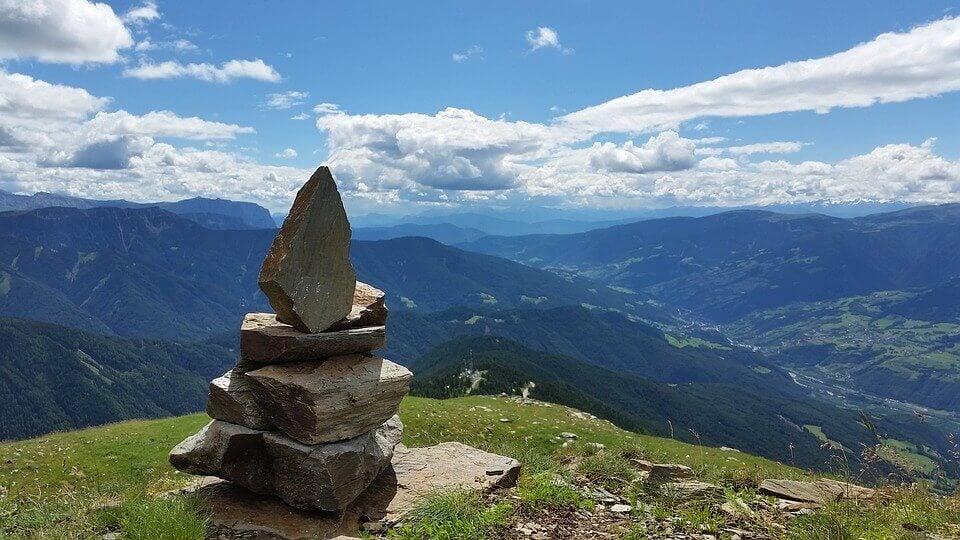 Piedras en una montaña