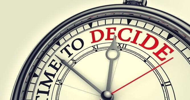 reloj representando la falacia de planificación