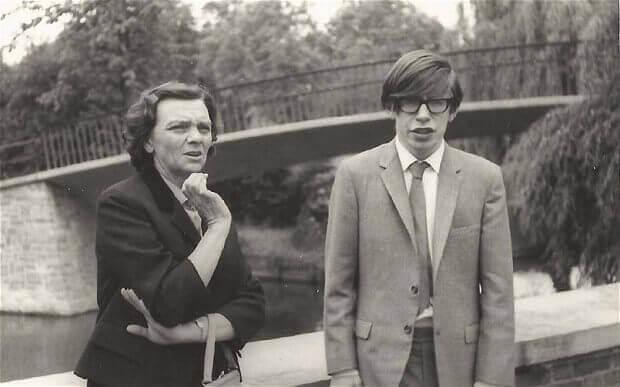 Stephen Hawking de joven