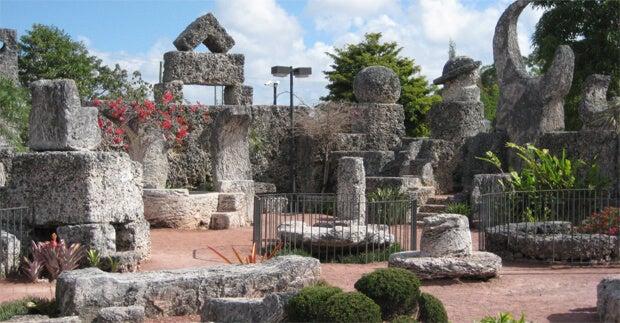 Castillo de coral representando los monumentos inspirados en el amor