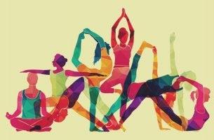 grupo de personas representando el yoga para principiantes