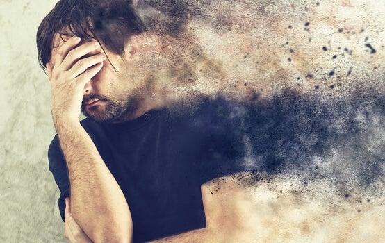 hombre con ansiedad patológica