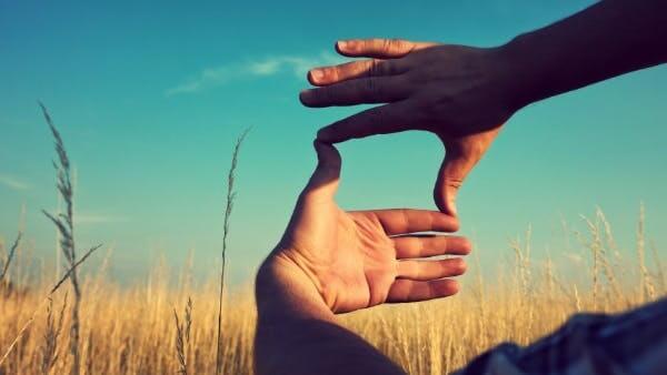 mano representando la terapia del Focusing