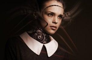Mujer robot para explicar la teoría del valle inquietante