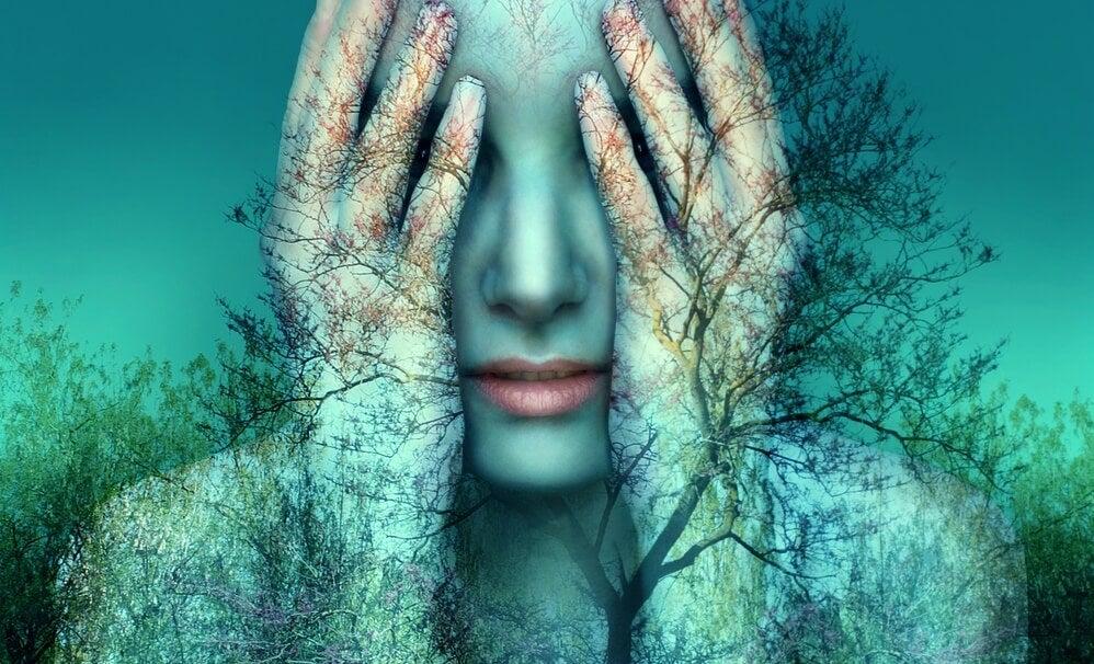 mujer pensando en la importancia de no dejar las cosas sin terminar