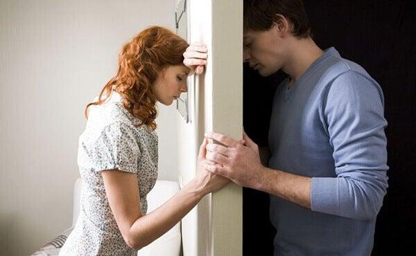 10 señales que indican que ya no estás enamorado
