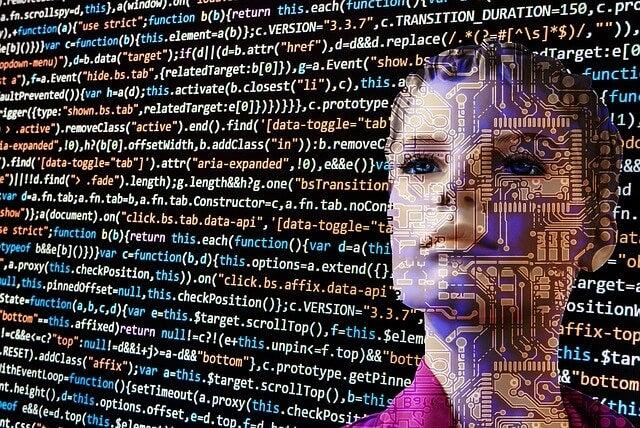 Robot con apariencia de mujer