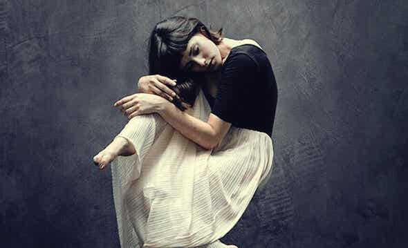Ocultar tus emociones: esa silenciosa cuota de sufrimiento