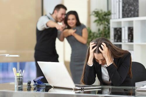 Compañeros de trabajo tóxico