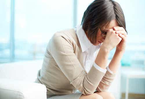 ¿Te sientes aburrido y fatigado en el trabajo? Puedes estar sufriendo Síndrome de Burnout