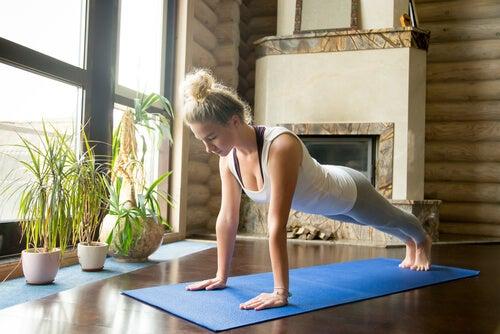 5 claves para practicar yoga en casa