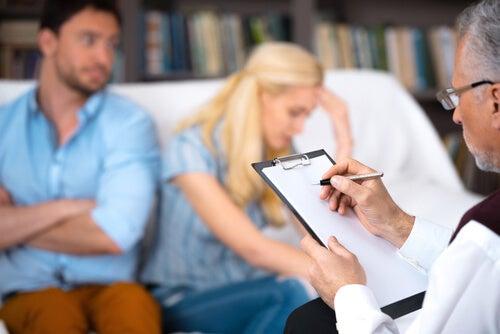 Padres con psicólogo