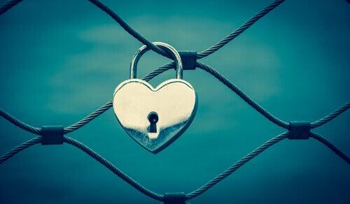 Corazón con cerradura