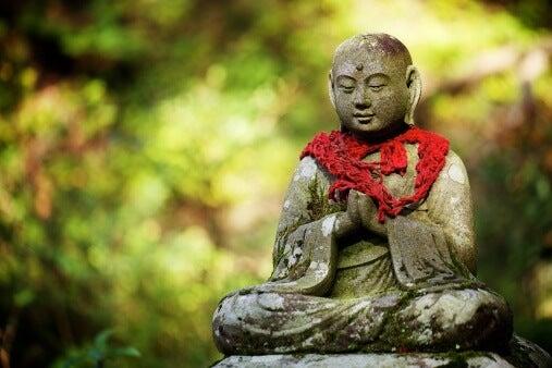 Un monje budista nos dice cuáles son las 5 claves para amar