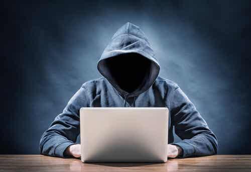 Depredadores sexuales en Internet: 4 rasgos
