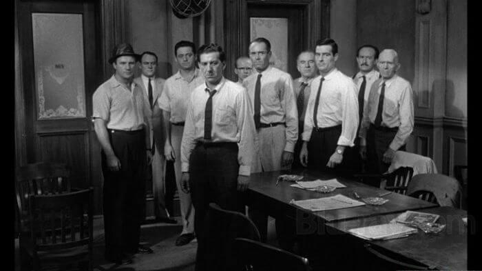 12 hombres sin piedad: cómo un líder puede cambiar la opinión de un grupo