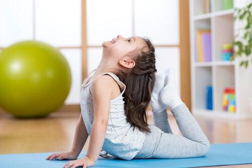 5 Posturas De Yoga Para Niños La Mente Es Maravillosa