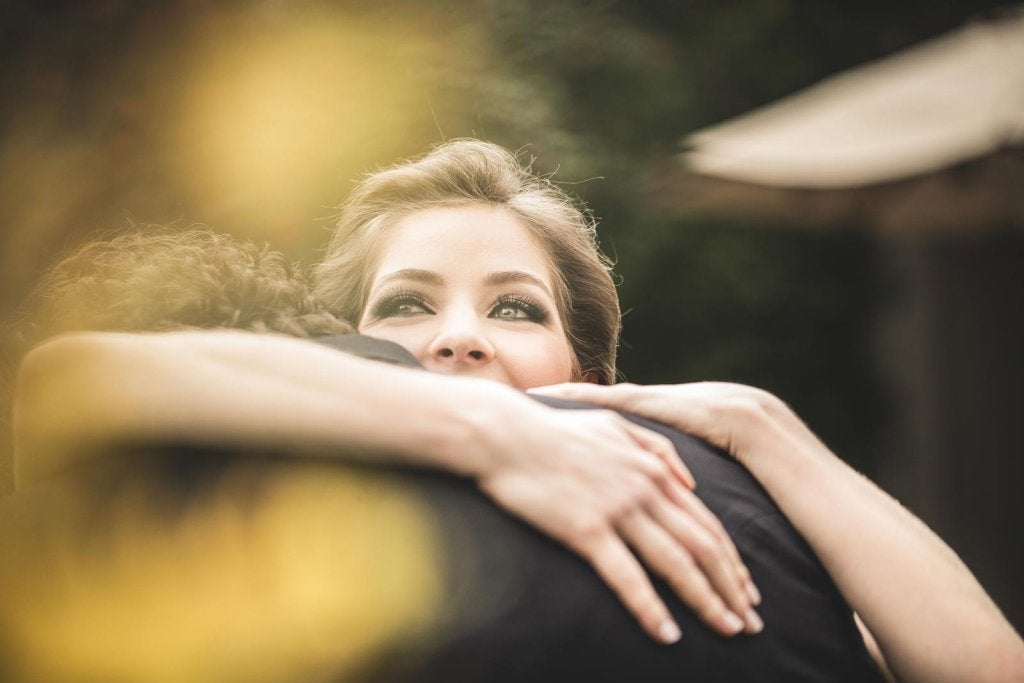 5 maneras de encontrar la felicidad en los pequeños actos
