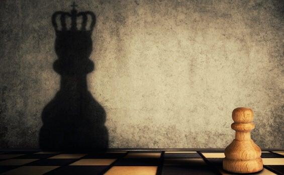 La doble cara de la ambición: falta y exceso