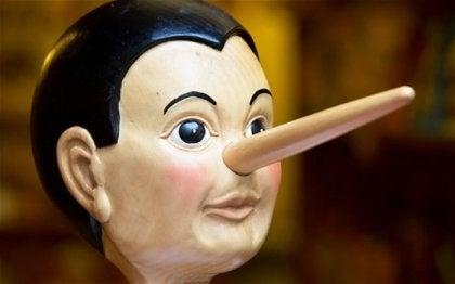 Pinocho simbolizando la mentira