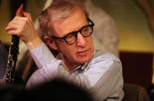 Woody Allen tocando un instrumento