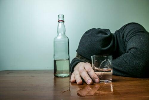 Adolescente alcohólico