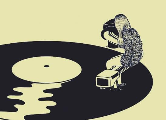 mujer sobre un disco simbolizando las frases de Giorgio Nardone