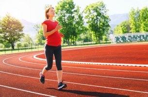 Embarazada practicando running