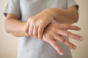 Hombre con Parkinson de inicio precoz