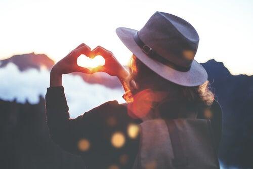 Las 5 libertades de Virginia Satir para fortalecer la autoestima