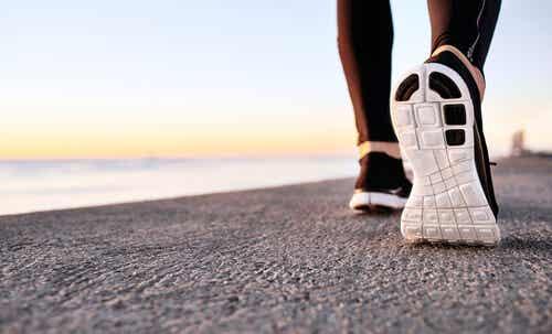 Beneficios psicológicos del power walking