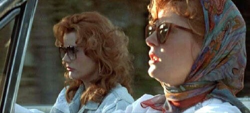 Thelma y Louise conduciendo