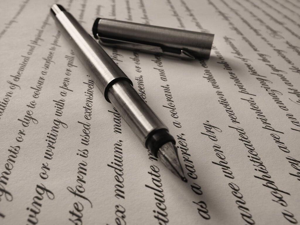 Frases escritas con pluma