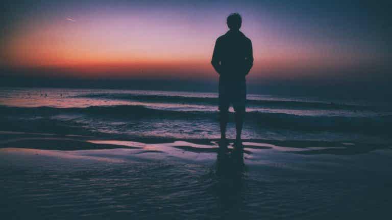Si te sientes solo cuando estás contigo, estás en mala compañía