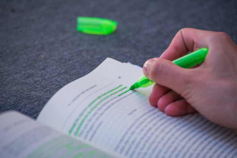 ¿Por qué es tan cara la tinta de boli verde?